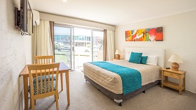 Mollymook Accommodation - Mollymook Shores Motel